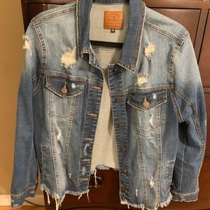 En Jean Distressed Jean Jacket
